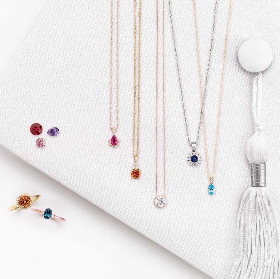 bijoux avec pierre de naissance